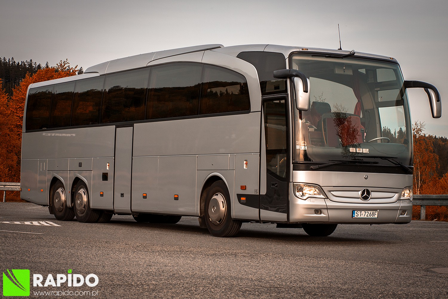 Rapido bus coach neoplan starliner touring coach 49 2 for Mercedes benz touring coach