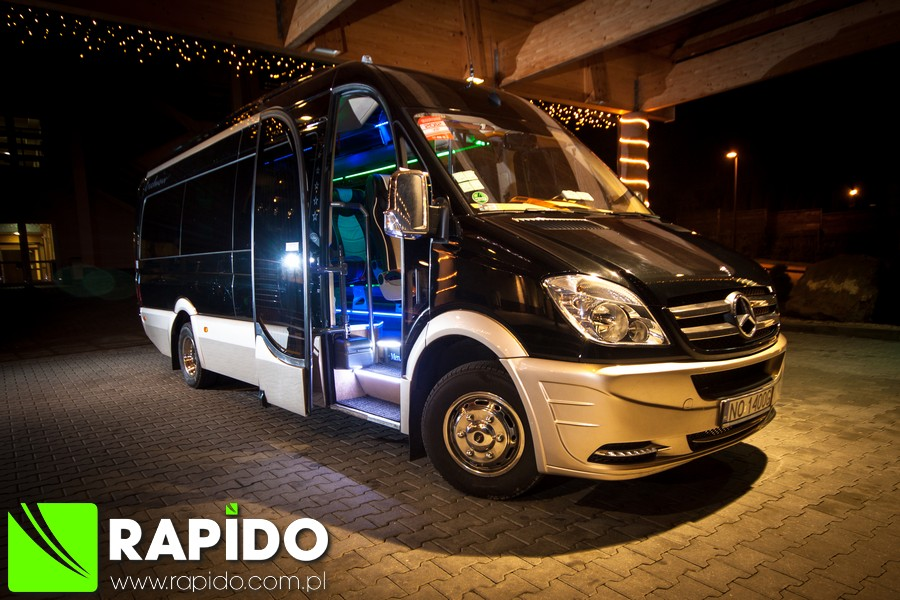 Rapido bus coach luxury touring minicoach mercedes for Mercedes benz backpack